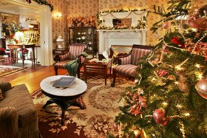 victorian christmas decorating