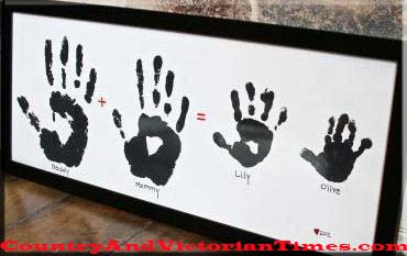 daddy mommy dad mom baby child hand prints gift love plaque wooden