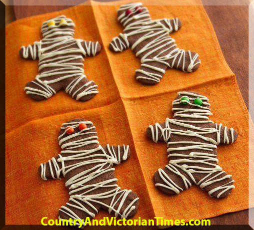 mummy cookie gingerbread men - Halloween Gingerbread Cookies