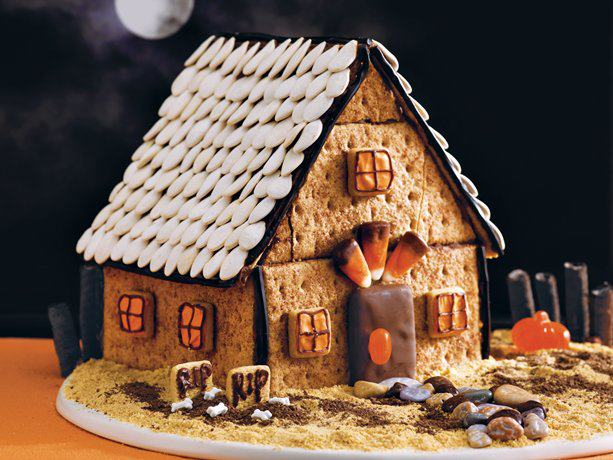 halloween spooky gingerbread house