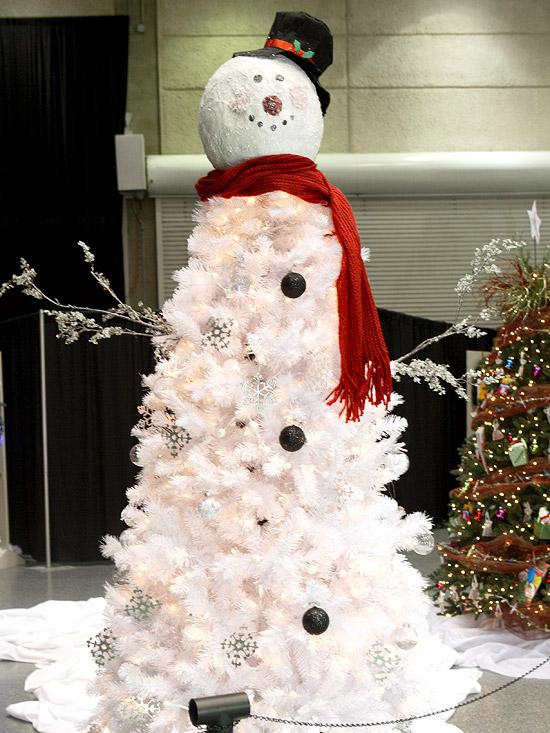15-Unique-Christmas-Tree-Designs-9