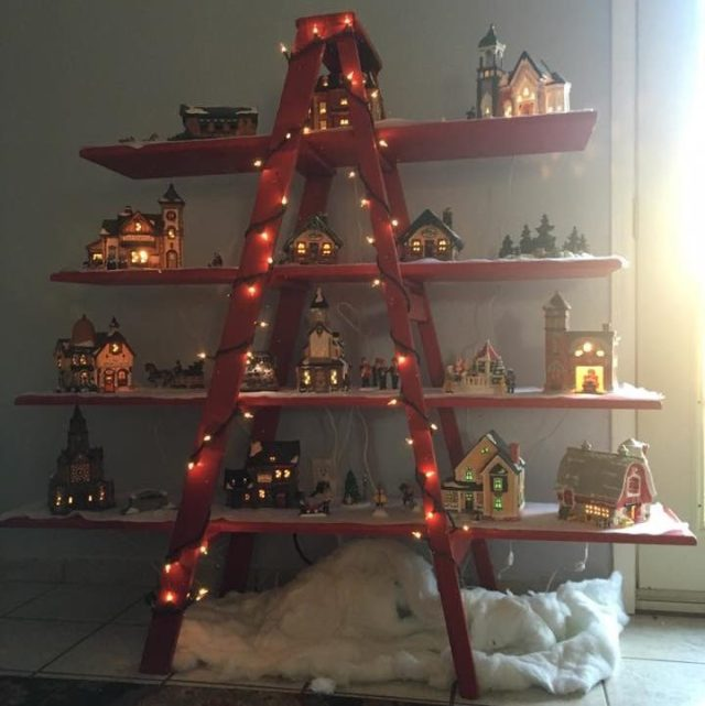 1 2 - Christmas Tree Ladder Decoration