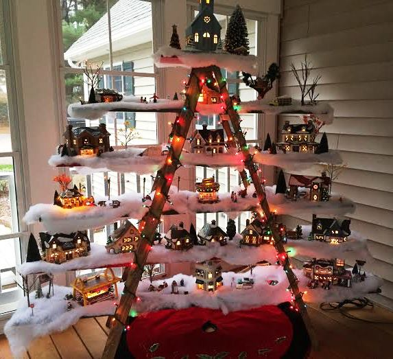 Ladder Christmas Tree.Christmas Tree Decorating Idea Ladder Display Shelf