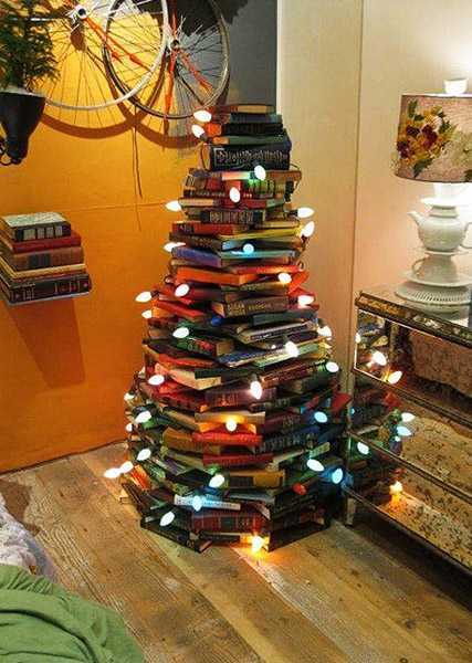 Christmas Tree Decorating Idea – Books | Country & Victorian Times