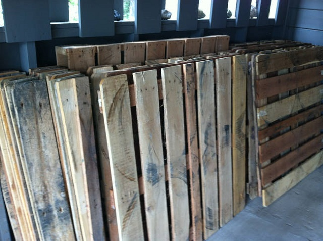 Diy Pallet Wood Floor Country Victorian Times