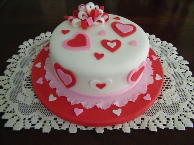 Valentine-Fondant-Cakes-4